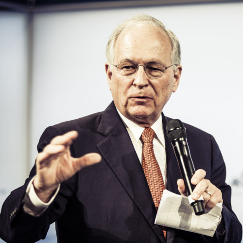 """Ischinger: """"Diplomatie bleibt heiße Luft ohne militärische Fähigkeit"""""""