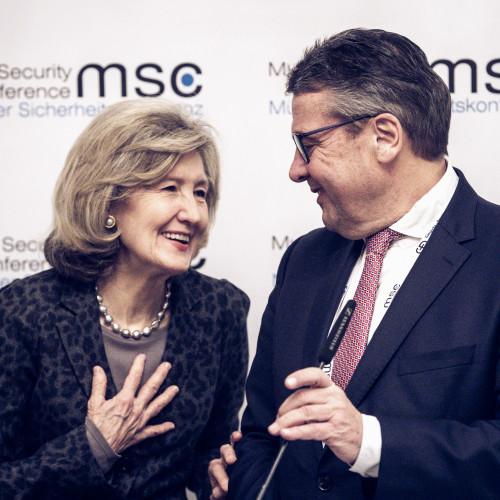 Zusammenhalt der Bündnispartner im Umgang mit Russland und China stärken