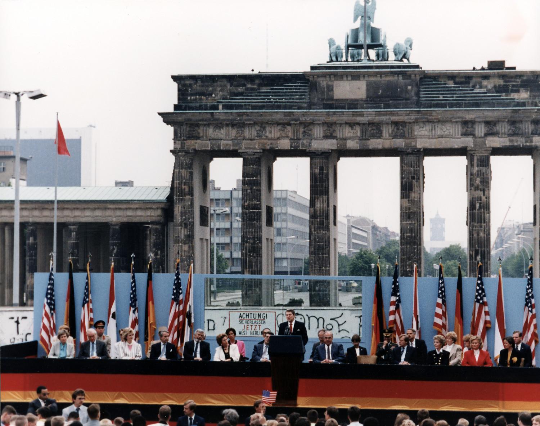 Wir Deutsche werden Amerika immer dankbar sein
