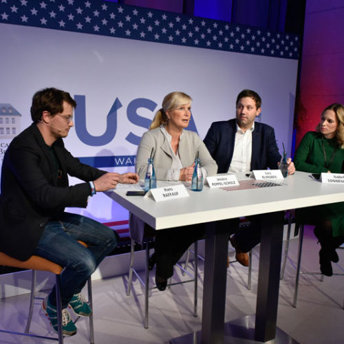 1000 Gäste verfolgen US-Präsidentschaftswahl