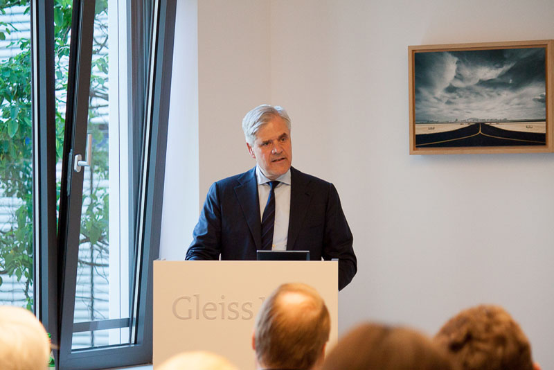 """Opt in or opt out?"" – Lecture by Prof. Dr. Andreas Dombret"